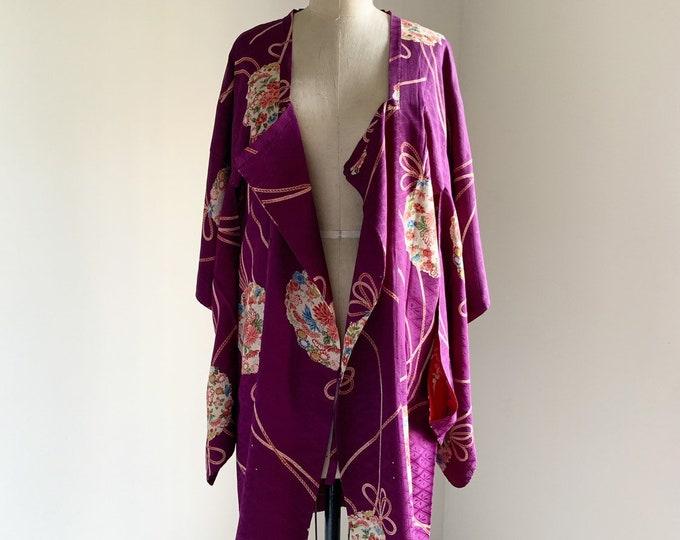 Antique silk kimono | 1920s kimono | Japanese kimono | Michiyuki | Violet | Kusudama