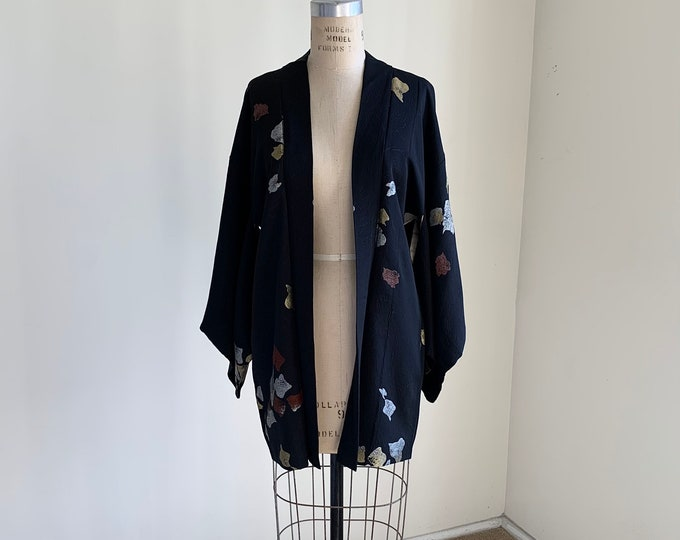 Antique 1930s Japanese silk Haori | Black | Leaf