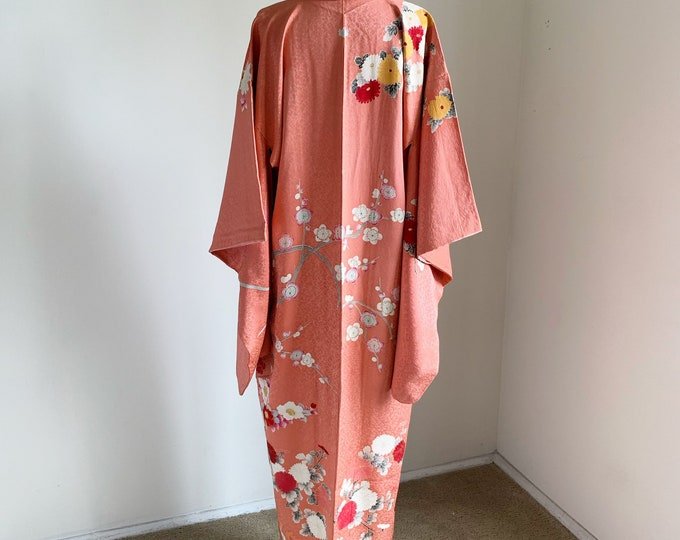 Antique 1920s Japanese silk kimono | Salmon pink | Embroidery