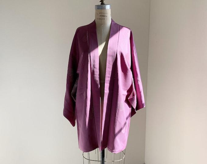Vintage silk kimono | 1950s kimono | Japanese kimono | Haori | Lilac | Stripes & Kikkou shibori