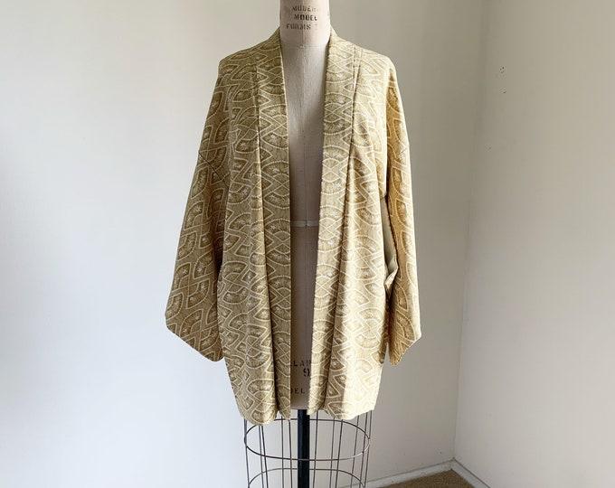 Vintage 1950s Japanese silk Haori | Dark yellow | Fan