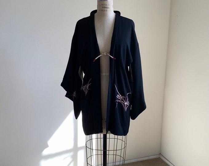 Antique 1920s Japanese silk Haori | Black | Flower embroidery