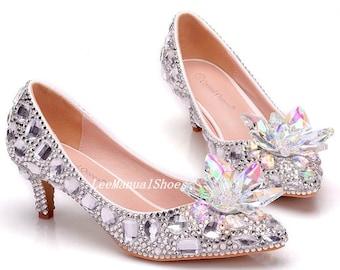 4ac398df4 Handmade Crystal Flower Wedding Shoes White Wedding Heels Pearl Wedding  Shoes Lace Bridal Shoes for Bridal/Bridesmaid Bridal Women Sandals