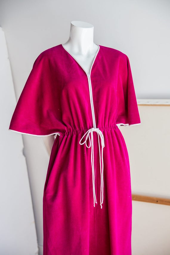 Vanity Fair 70s Raspberry Pink Angel Sleeve Long V