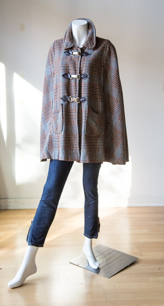 Glen Plaid Wool Short Cape with Pockets and Clasp