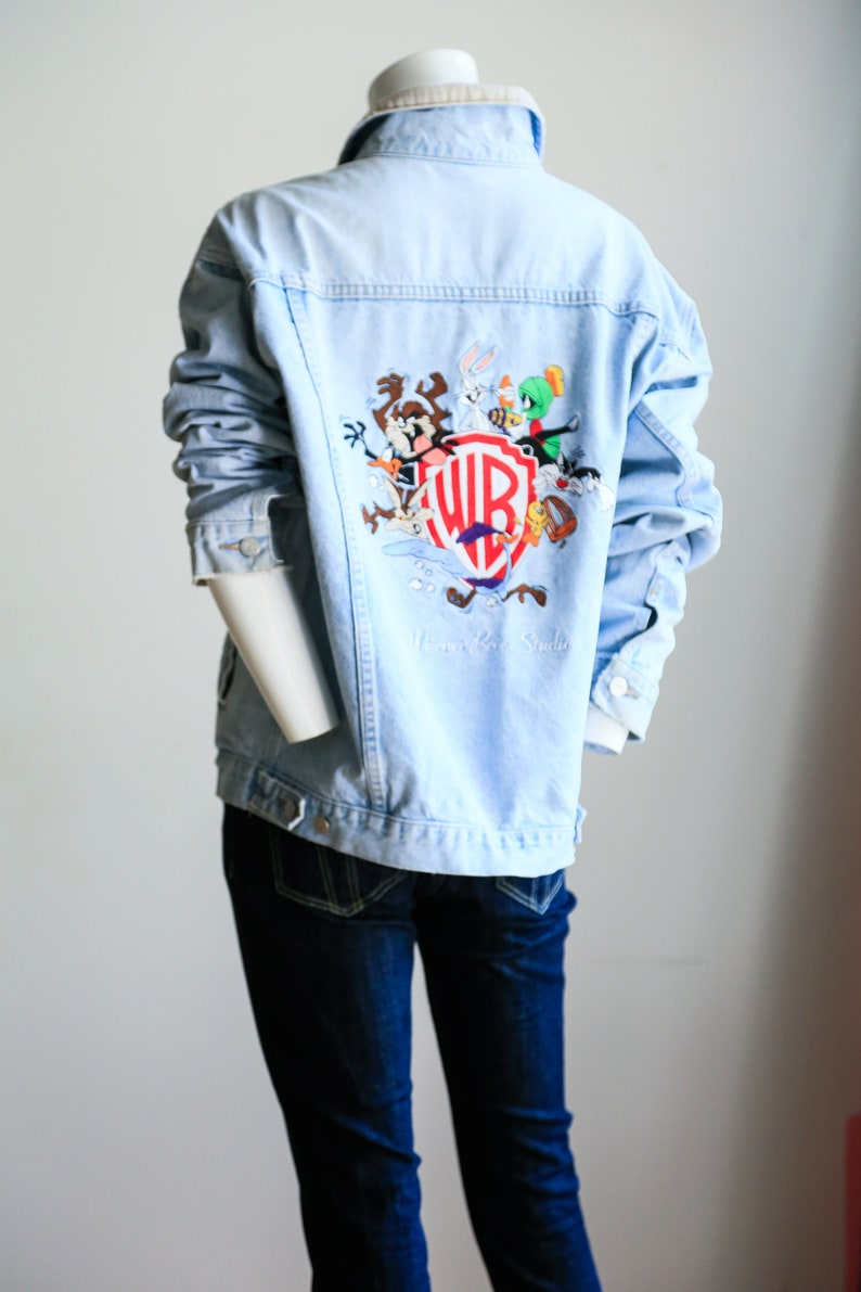 f8becfc152 Looney Tunes Embroidered Denim Jacket Warner Brothers Road