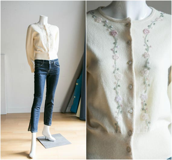 50's Floral Embroidered Angora Wool Cardigan |Embe