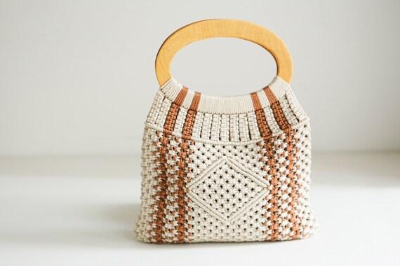 70s Beige Brown Crochet  and Wood Handle Tote Bag