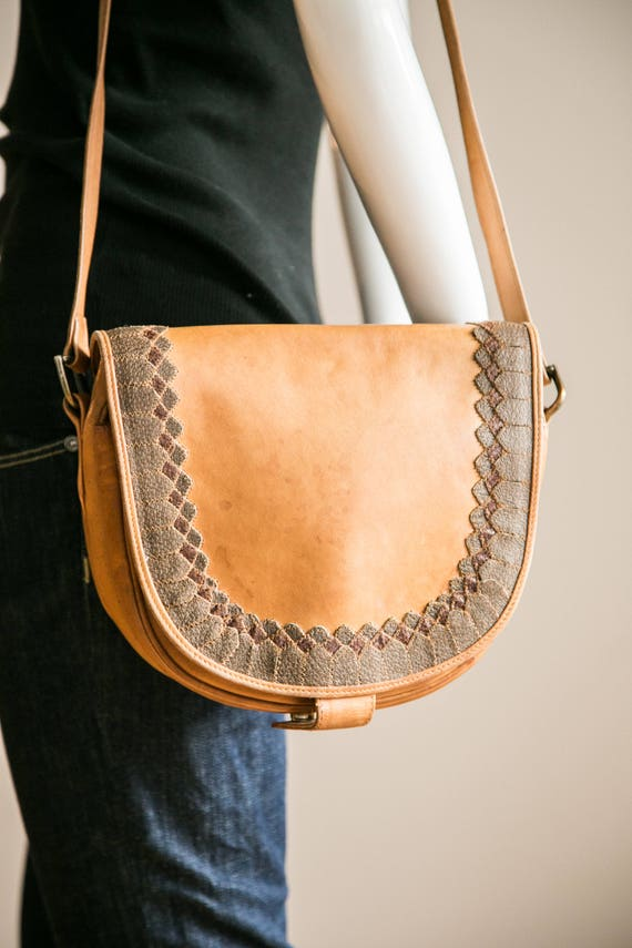 Natural Leather Oval Crossbody Leather Handbag| Cr