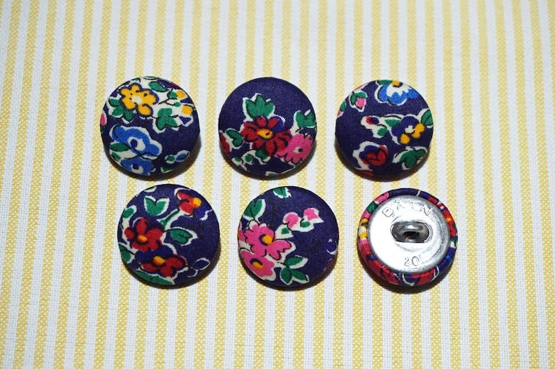 Metal Shanks, Metal Flatbacks 20mm 6 Blue with Vivid Flowers Fabric Covered Buttons