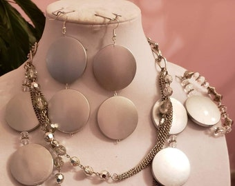 Gray round bead with silver  Necklace, bracelet and  Earrings (SKU #UV 3P1000)