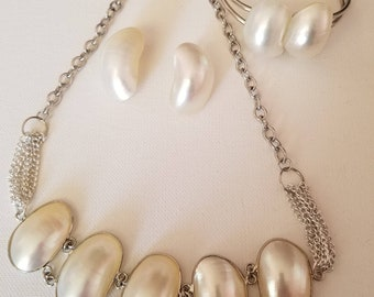 Silver and White Pearl Necklace, Bracelet and Earrings (SKU #UVF3PP128)