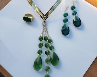 Emerald dangling teardrop pendant; gold V shaped Choker; Emerald tear drop dangling gold earrings; oval emerald gold rings   (SKU# UV3P1004)