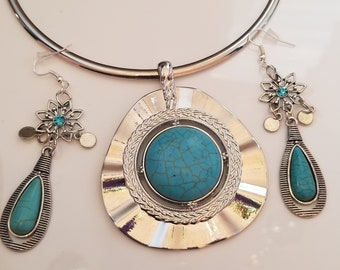 Turquoise and Silver Tear Drop Pendant Choker, with matching  Earrings (SKU #UV2P506 )