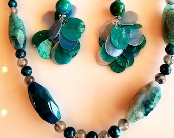 Beaded Necklace: Turquoise, Emerald Green, Oval Bead Necklace. Dangling Earrings. Green Beaded Earrings.  (SKU #UV2P950)