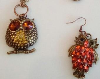 Antique Gold Pendant. Red Stone Owl. Owl pendant. gold chain. Antique Gold Earrings. Red Owl Earrings.  (SKU #UVF2PP707)