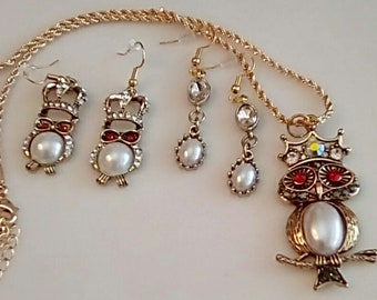 Gold, red crystal and white bead Owl. King Owl Gold Necklace.  red king owl earrings. dangle white  gold earrings. Owl bracelet  (UVF3PP710)