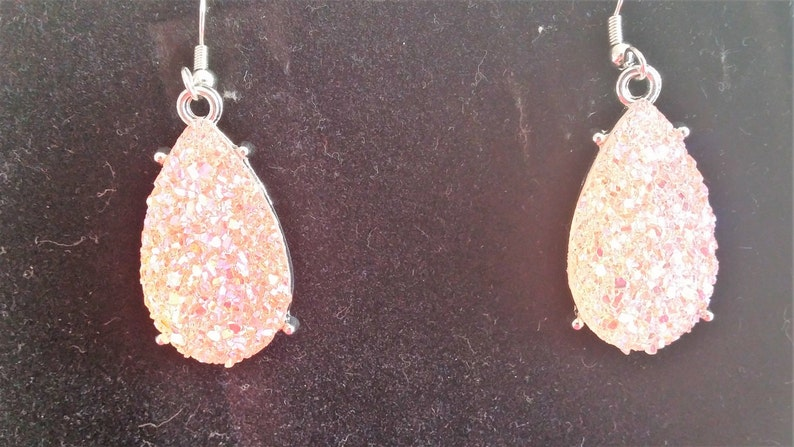 Earrings and Bracelet White Crystal and Pink Pearl Necklace