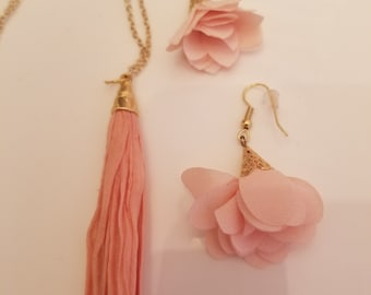 Light Coral Tassel Necklace and pair of Earrings (SKU #UV2P600)