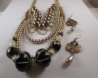 Black and Beige Pearl Necklace, Bracelet and Earrings (SKU #UVFP3P107)
