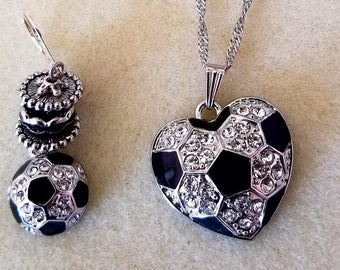 Soccer Black and Clear Necklace and Earrings (SKU: UVF2PP120)
