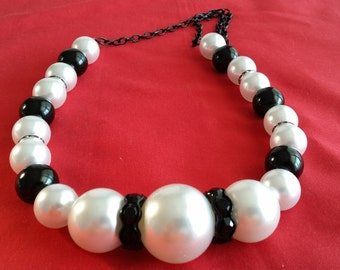 Pearl and Black Chucky Jewerly: Necklace and 2 Pair Pierced Earrings (SKU #UVFP3P118)
