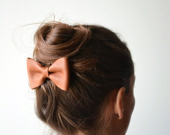 Brown leather hair bow / Brown bow clip / Bowtie / Hair accessories / Brown genuine leather