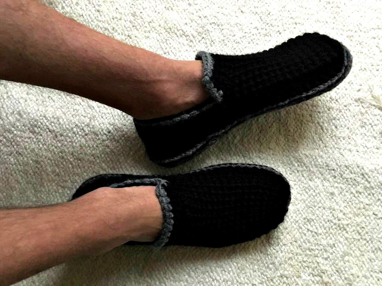 02aeeb9d0d2b Black Men s Slippers with Felt Soles Crochet Slippers