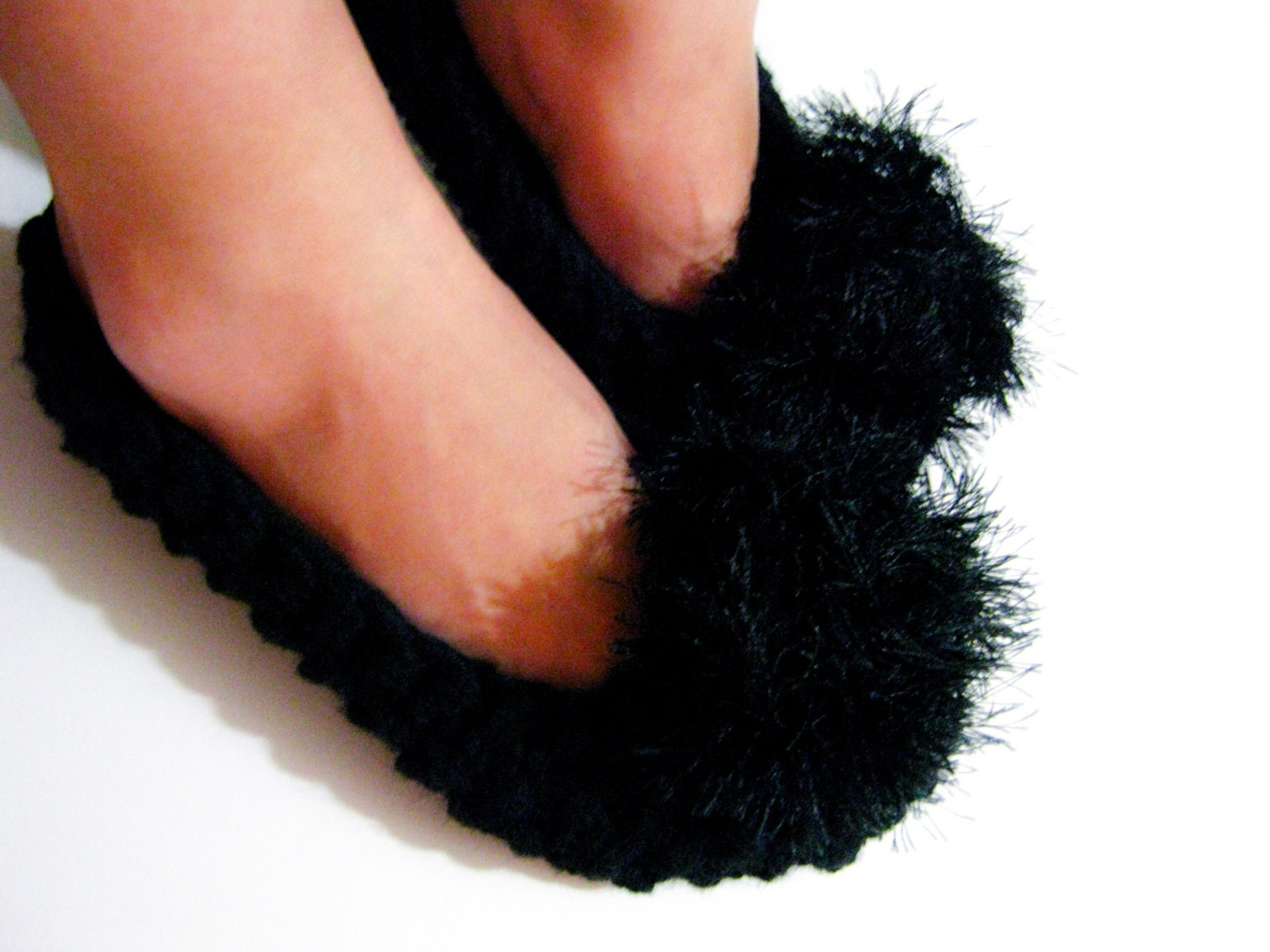 black knitted slippers for women, pompom slippers, chunky slippers, ballet flats, knit slippers, women slippers, house shoes, gi