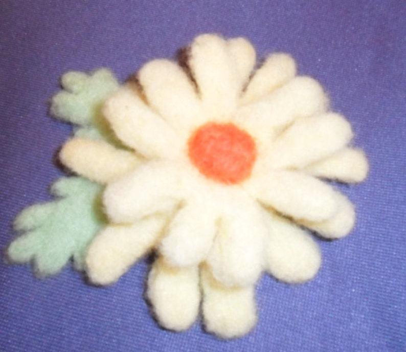 Needle Felted Yellow Daisy Pin