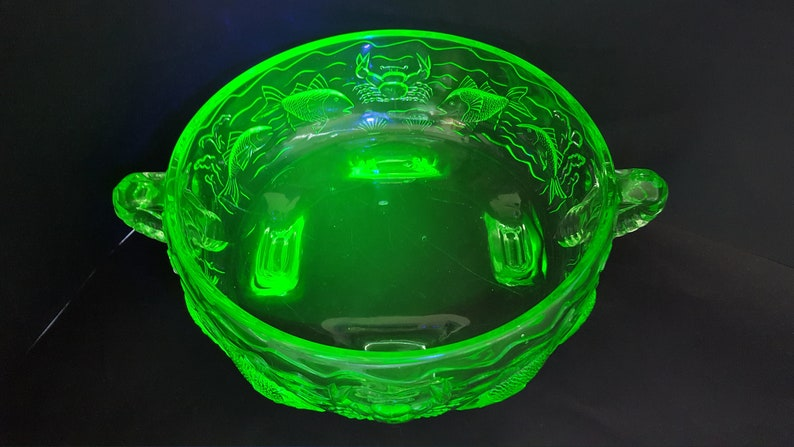 Vintage Green Uranium Glass Bagley Bowl-carnival Design-unusual Shape Pottery, Porcelain & Glass