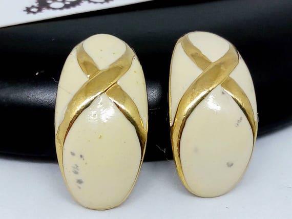 vintage earrings vintage cream earrings 1980s earrings cream enamel earrings cream vintage earrings 1980s 22x11mm clip on earrings