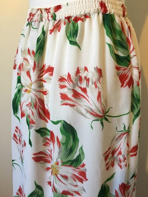 1990s White Red Floral Garden Print Novelty Botan… - image 8