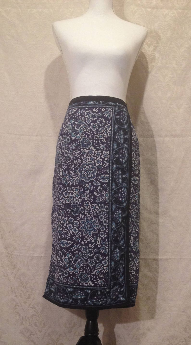 1990s Blue Black Floral Paisley Indian Art Psychedelic Garden Boho Gypsy Witch Festival Midi Dance Striped Square Skirt Mystic Elastic Small