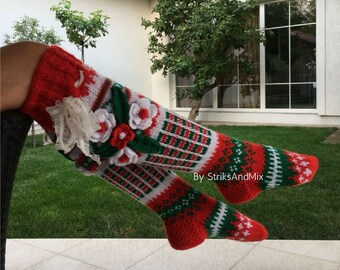 823a6c0e04f4c Christmas socks with flowers in Christmas red green and white gestrickte  socken mit blumen Knit Woman Knee Socks Knitted Christmas stocking