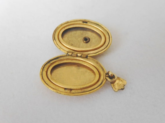Gold Filled Religious Locket with Mother of Pearl… - image 5