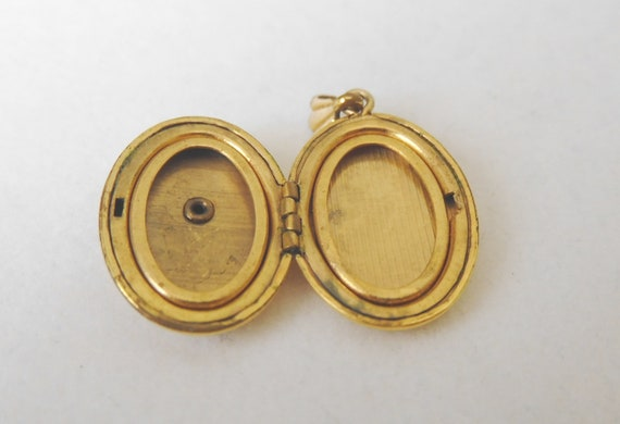 Gold Filled Religious Locket with Mother of Pearl… - image 4