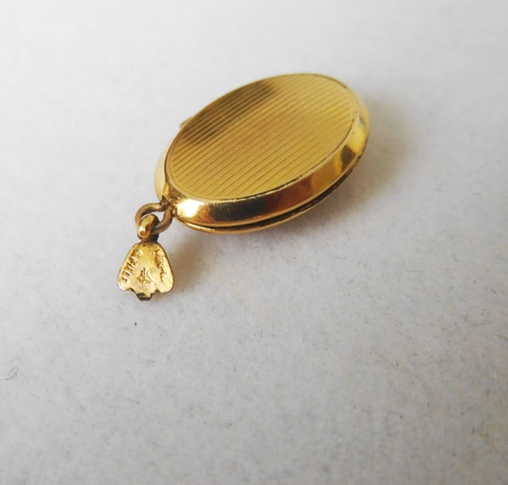 Gold Filled Religious Locket with Mother of Pearl… - image 7