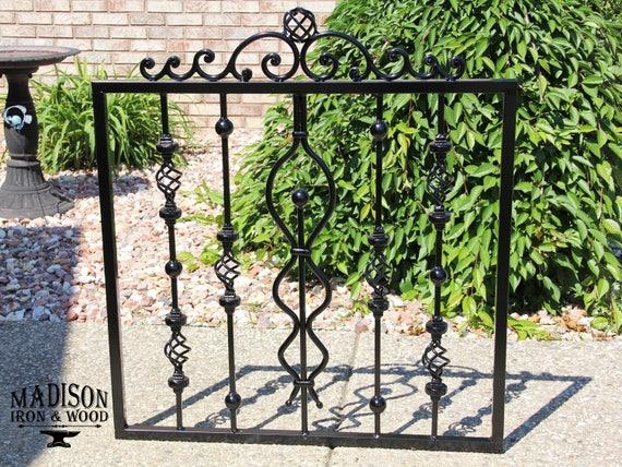 Porte en fer forgé, porte de clôture de jardin, style de porte fantaisiste