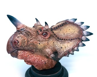 Regaliceratops Bust Sculpture | Jurassic Park Fans | Dinosaur hand Sculpted | Collectible Decor | Gift for Him | Art Piece