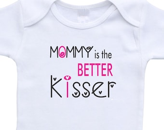 Gift for Mom,Mommy is the better kisser,funny onesies,baby boy gift for mom,boy onesie,mother's gift,new mom gift,boy onesie,shower gift boy