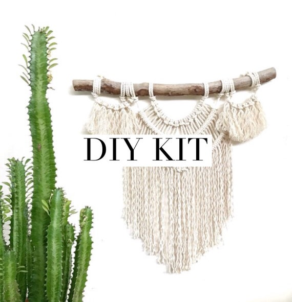 "DIY KIT Macrame Wall Hanging ""Luna"""