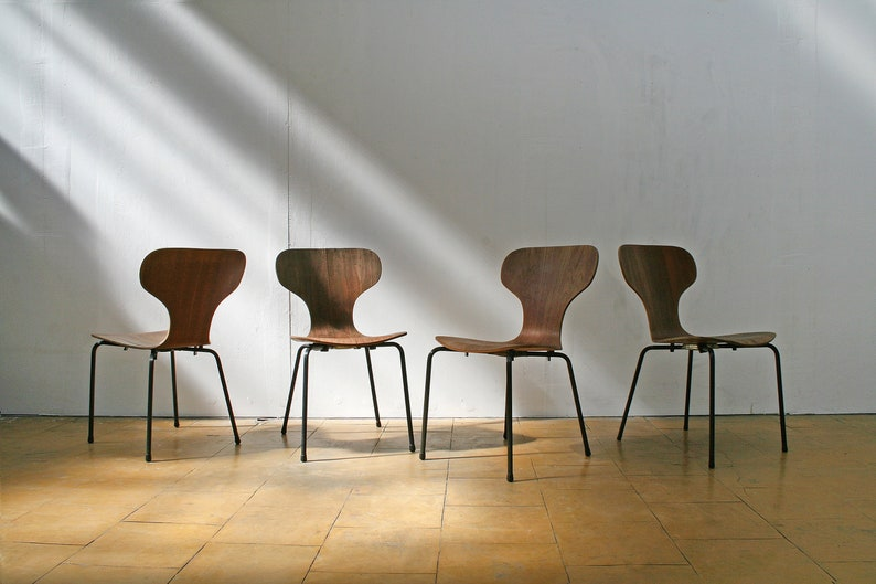 BLACK INDUSTRIAL VINTAGE STACKING CHAIRS RETRO DINING CHAIRS CONFERENCE CHAIRS