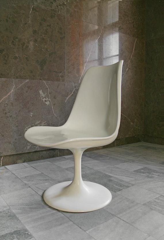 Awe Inspiring Vintage Eero Saarinen Style White Tulip Chair Retro Mid Century Modern Club Accent Loft Dining Desk Shell Minimalist Modernist Space Age Mcm Andrewgaddart Wooden Chair Designs For Living Room Andrewgaddartcom