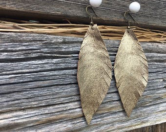 Bohemian Earrings Mother's Day | Earrings for Boho Girlfriend, Gold Feather Jewelry, Gift-for-Woman, Woman Gift, Bohemian Girlfriend Earring