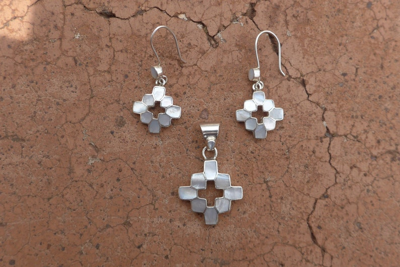 White Chakana Jewelry Set with Mother of Pearl and 950 Silver