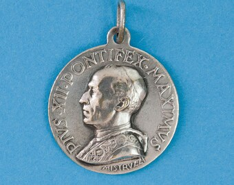 French vintage religious medal commemorating Pope Pius XII by Aurelio Mistruzzi.