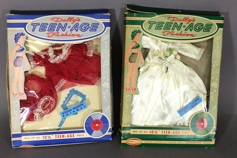 2 Dolly's Teen-Age Fashion Outfits for 10.5 Dolls image 0