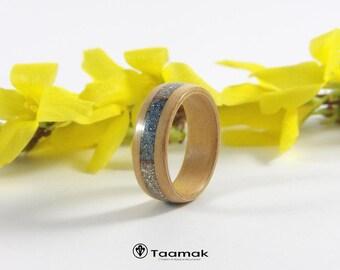 Alliances de fiançailles ou de mariage en Sapin avec Incrustation Paillettes de verre- Anneaux-Bague en bois-Fait à la main-bois courbé