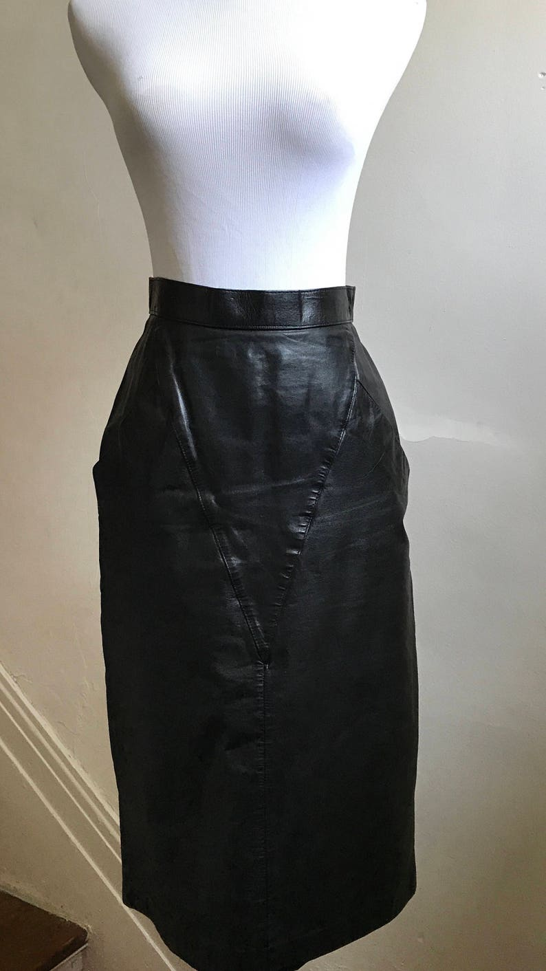 d5eb1320eb Vintage Black Leather Skirt 80s Snakeskin Pencil Skirt   Etsy
